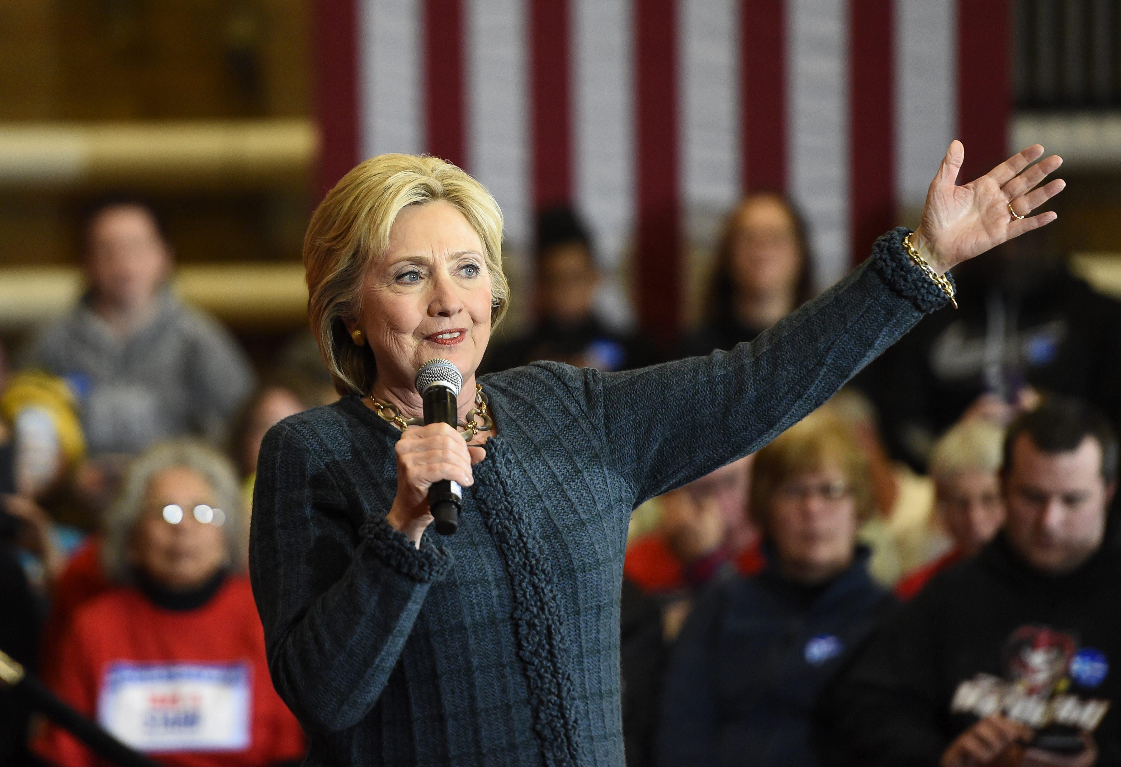 La aspirante a la candidatura demócrata a la presidencia Hillary Clinton