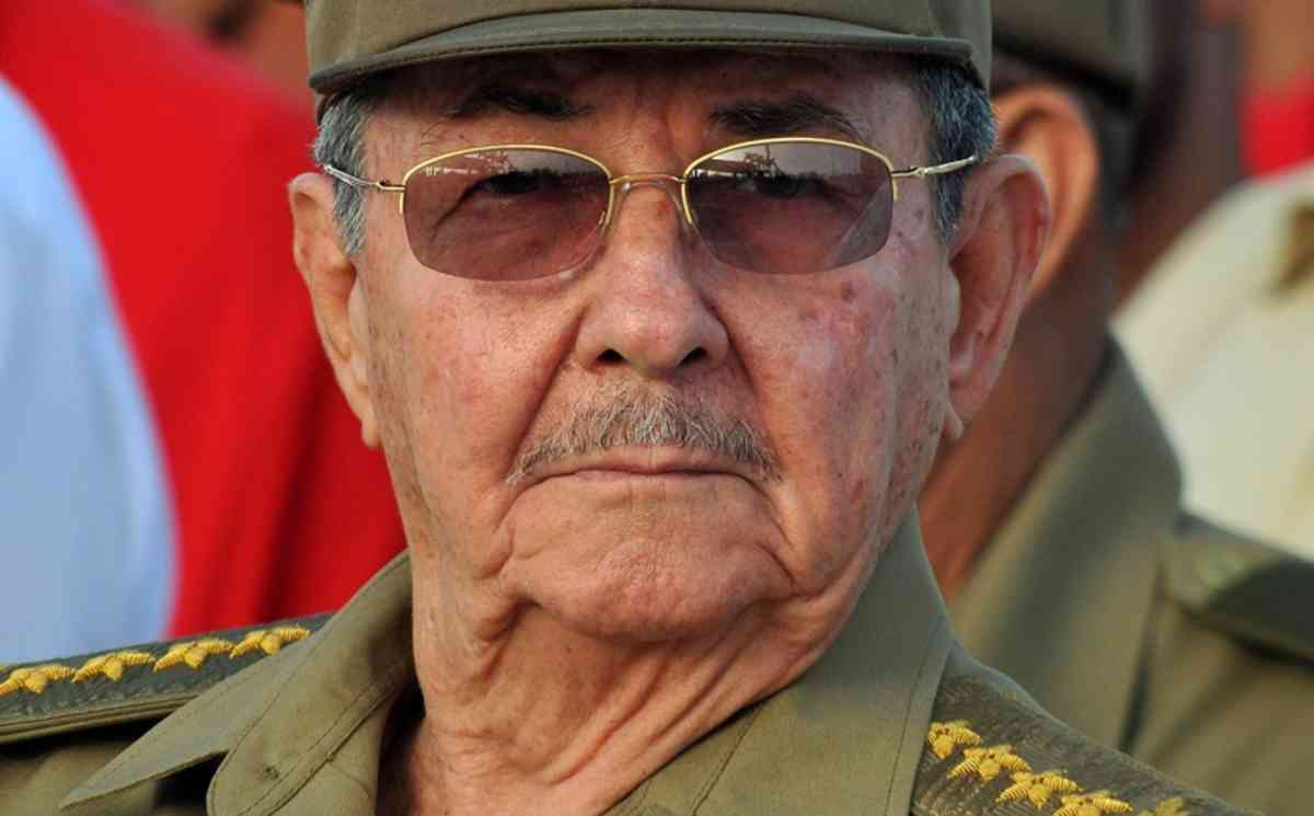 epa02052428 A file photograph made available on 24 February 2010 showing Cuban President Raul Castro taken on 26 July 2009 in Havana, Cuba. Castro said in a press comunication that he regrets the dead of Cuban political dissident Orlando Zapata Tamayo, he blamed to the US for this dead and denied torture in the island. Cuban political prisoner Zapata Tamayo died on 23 February 2010, 85 days after he went on a hunger strike, which according to diplomatic and internal opposition sources will bring grave repercussions to the Cuban government.  EPA/Alejandro Ernesto