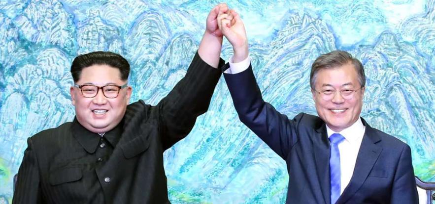 Kim Yong-un y Moon Jae-In durante la cumbre del mes pasado