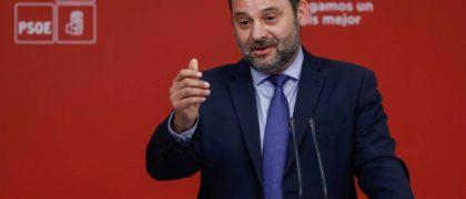 El Ministro de Fomento, José Luis Ábalos. Emilio Naranjo (EFE)