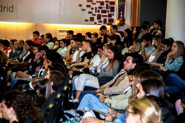 Imagen del Auditorio durante la visita del embajador de Canadá en la UEM