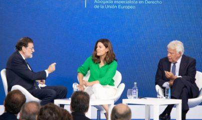 """Felipe González y Mariano Rajoy en la conversación """"Tres miradas sobre España"""". Europea Media / Alexis Peños."""