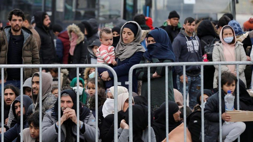 Migrantes en el puerto de Mitilene /Reuters